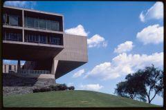 Milwaukee Art Museum (originally Milwaukee War Memorial), Milwaukee, Wisconsin, 1952-57. Exterior